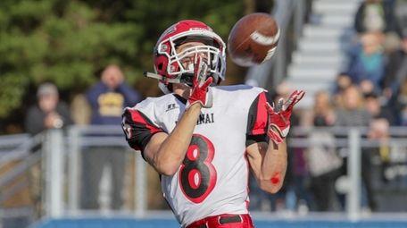 Mount Sinai's Matthew LoMonaco catches a touchdown pass