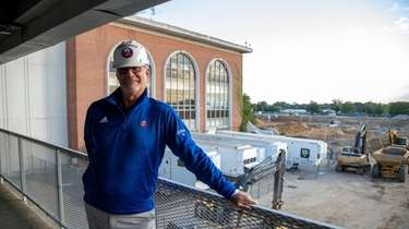 Islanders alumni, including Clark Gillies, toured the Belmont
