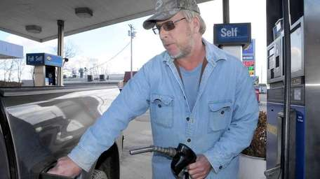 LI gasoline prices dropped 7 cents in the