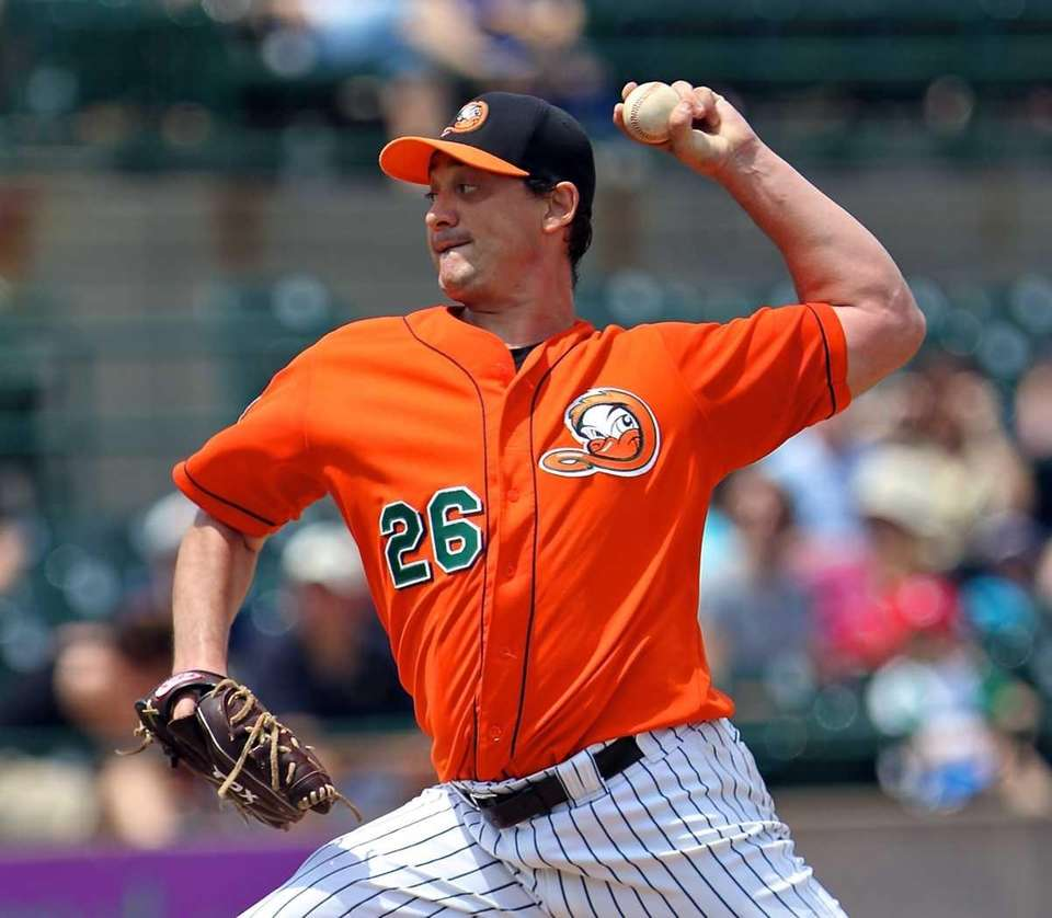 Long Island Ducks starting pitcher Randy Keisler delivers