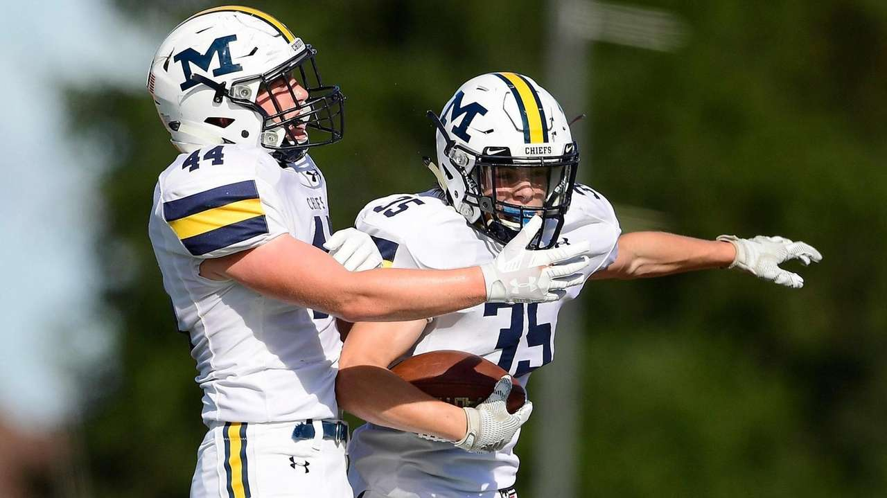 Highlights of Massapequa's fourth-quarter rally and 25-21 victory