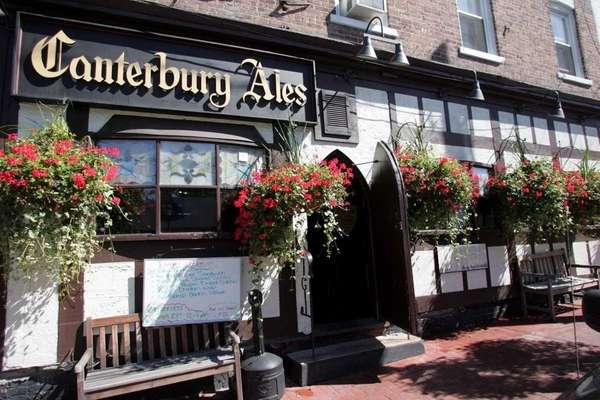 Canterbury Ales in Huntington served a British-inspired menu