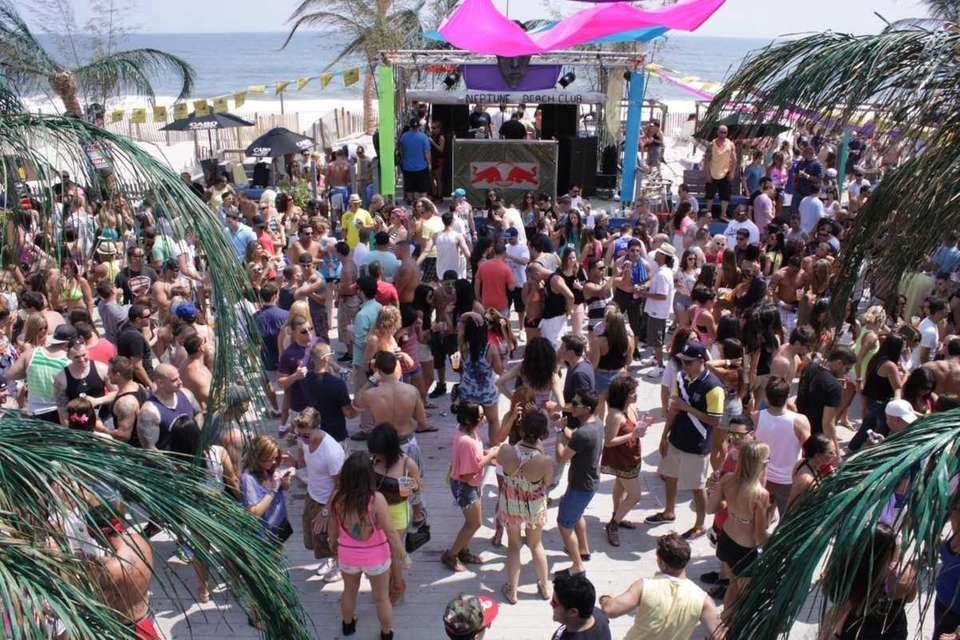 Neptune Beach Club, East Quogue NY. (May 26,