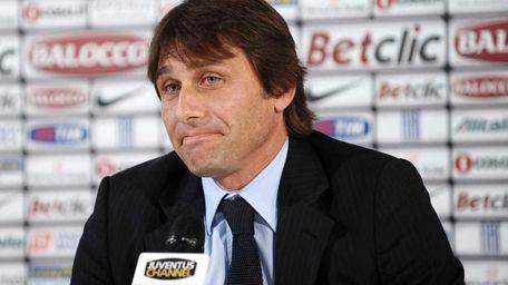 Juventus coach Antonio Conte meets the journalists at