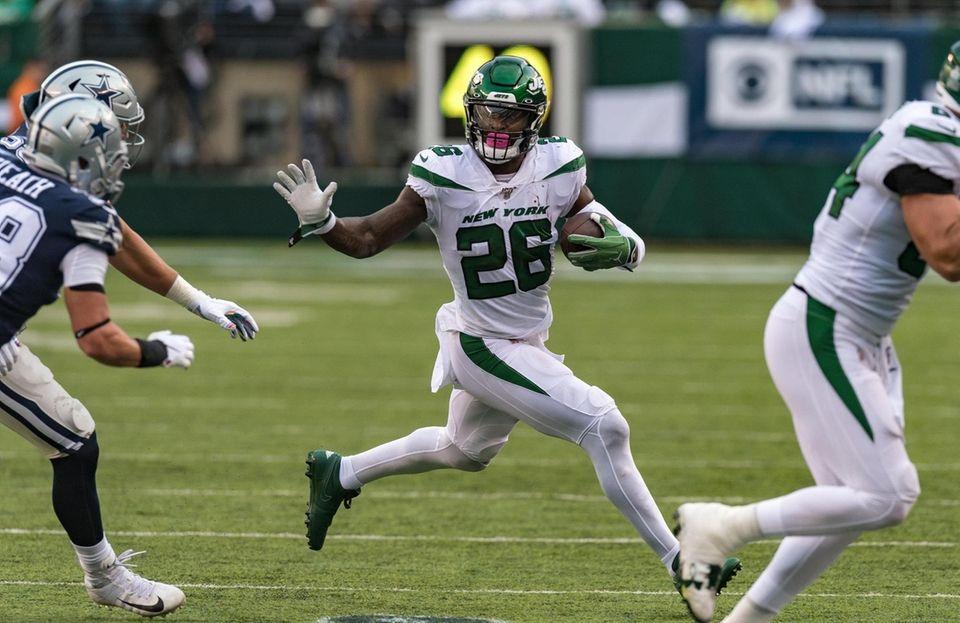 New York Jets running back Le'Veon Bell (26)