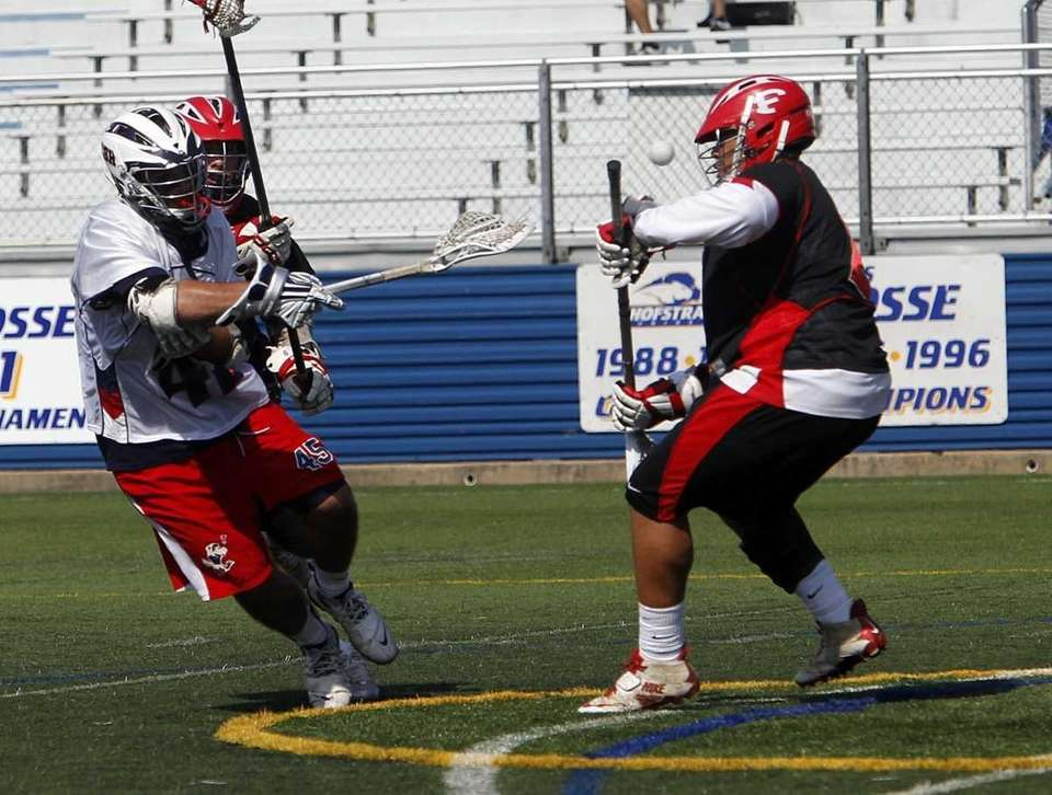 Cold Spring Harbor's Kevin Porzelt (45) scores on
