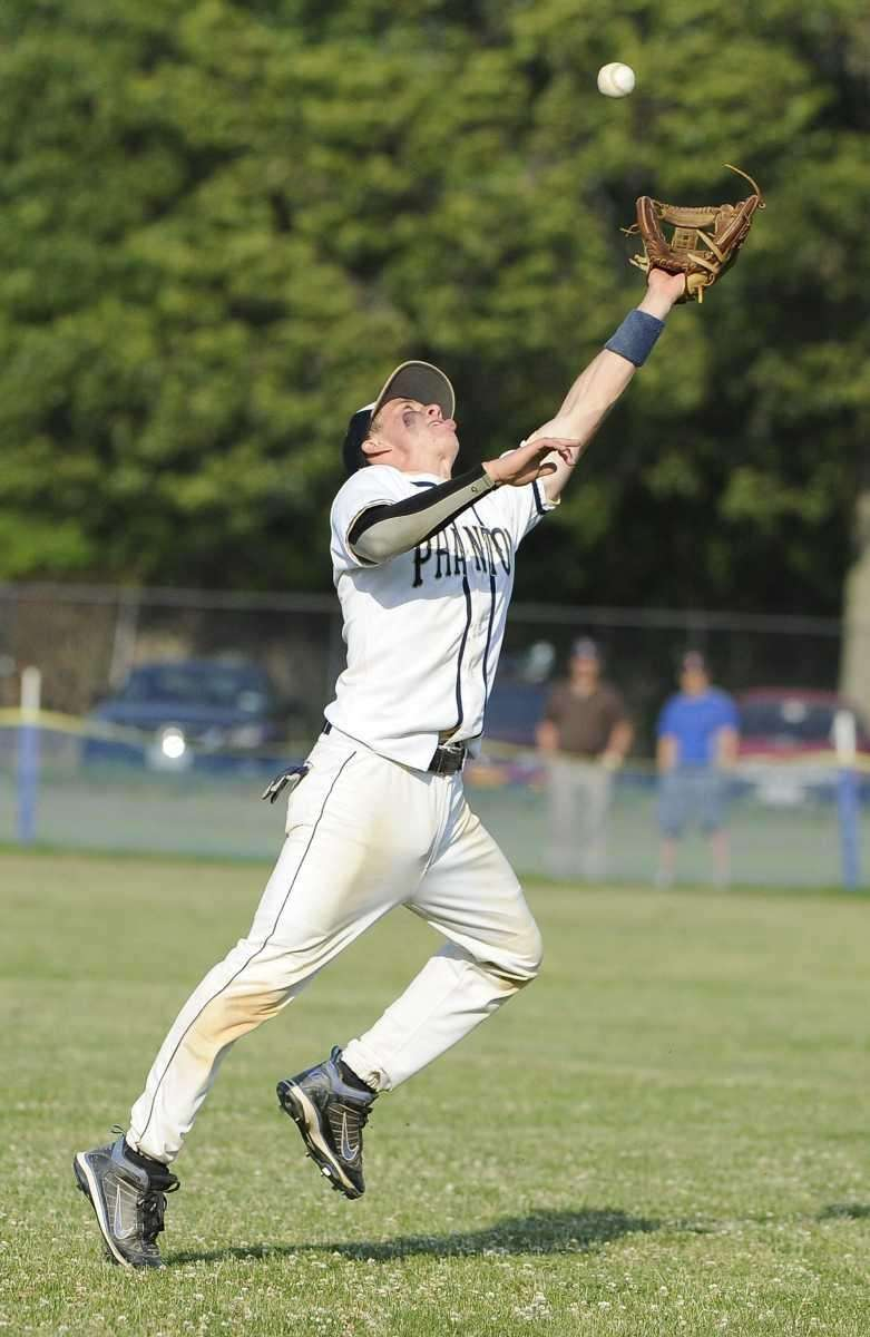 Bayport-Blue Point's Conor Diemer can't make the catch