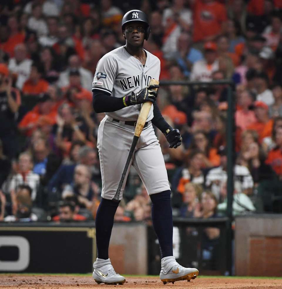 New York Yankees left fielder Cameron Maybin (38)