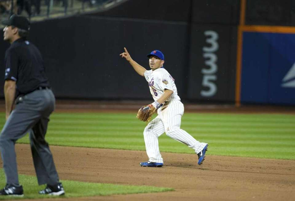 Omar Quintanilla of the Mets during a game