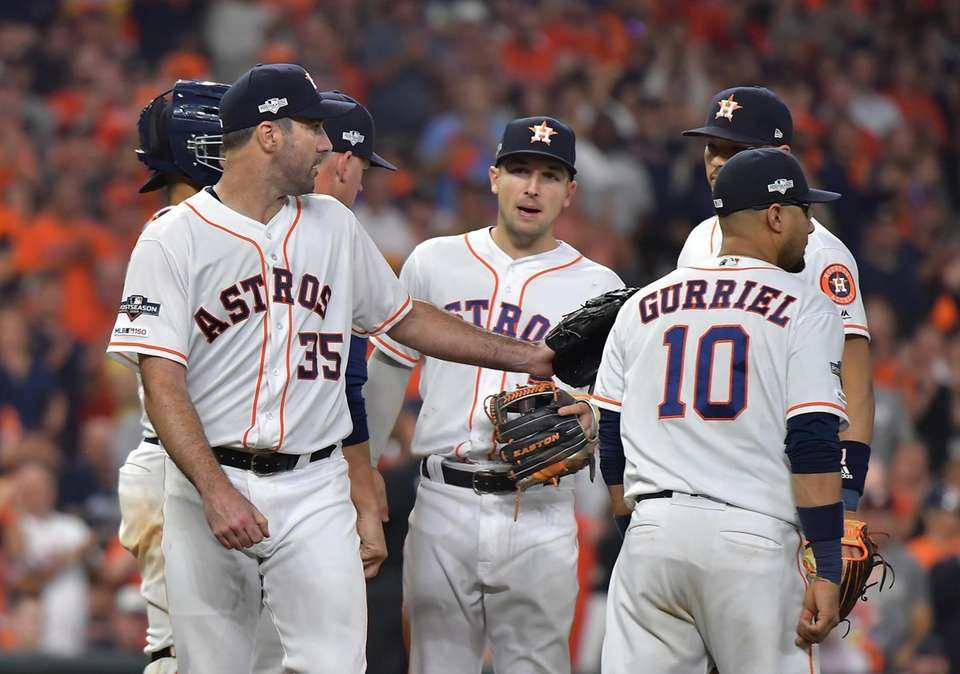 Houston Astros starting pitcher Justin Verlander (35) walks