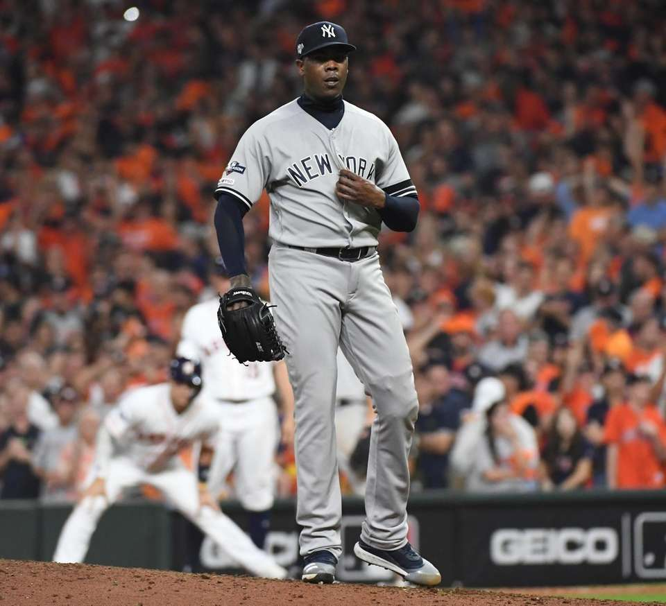 New York Yankees relief pitcher Aroldis Chapman (54)