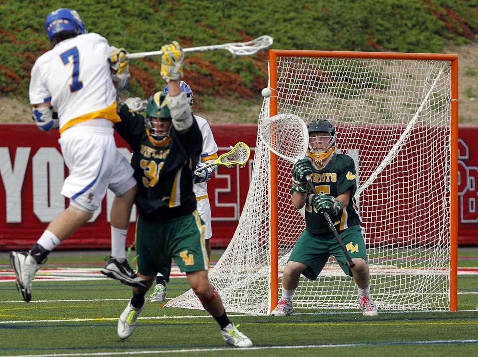 West Islip's Jon Reese (7) shoots and scores