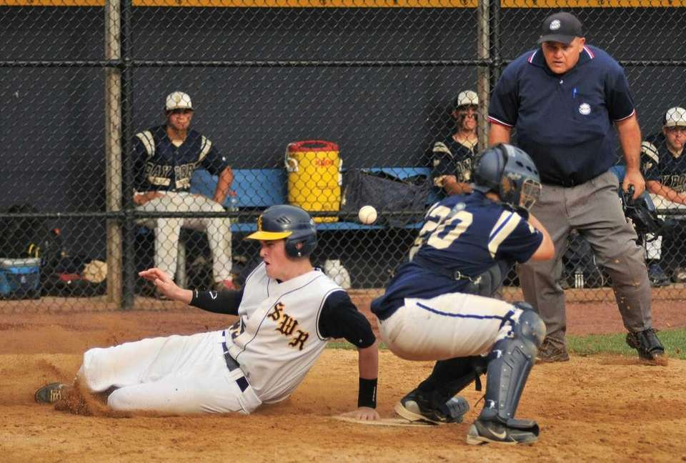 Shoreham Wading River pinch runner Sean Logan (45)