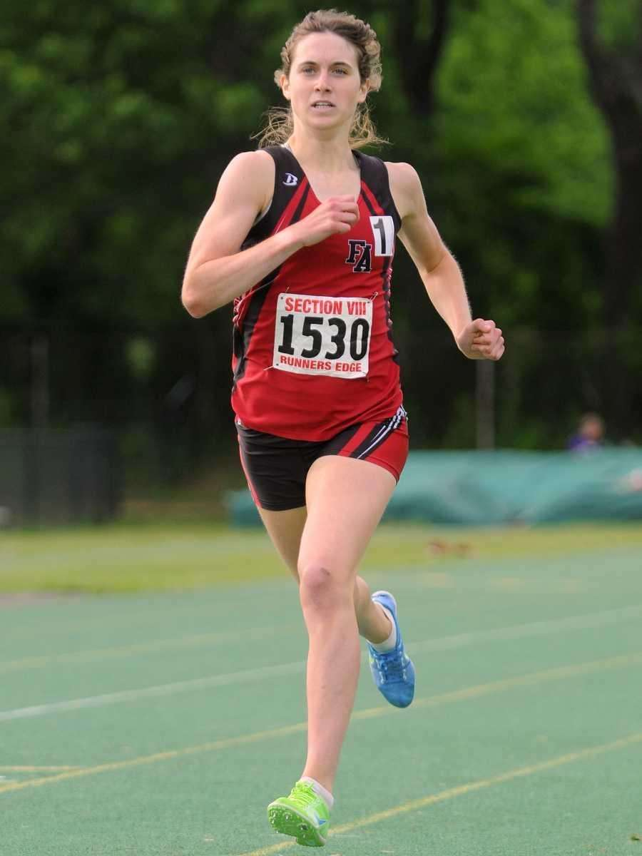 Friends Academy senior Kelsey Margey races to victory