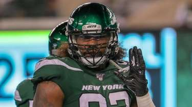 Jets defensive end Leonard Williams lines up during