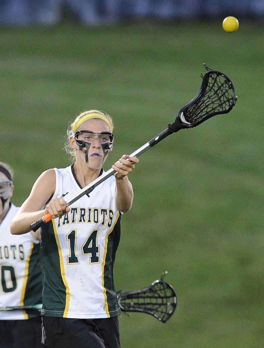 Ward Melville's Ally Tilley passes against Bay Shore