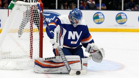 Thomas Greiss #1 of the Islanders makes a