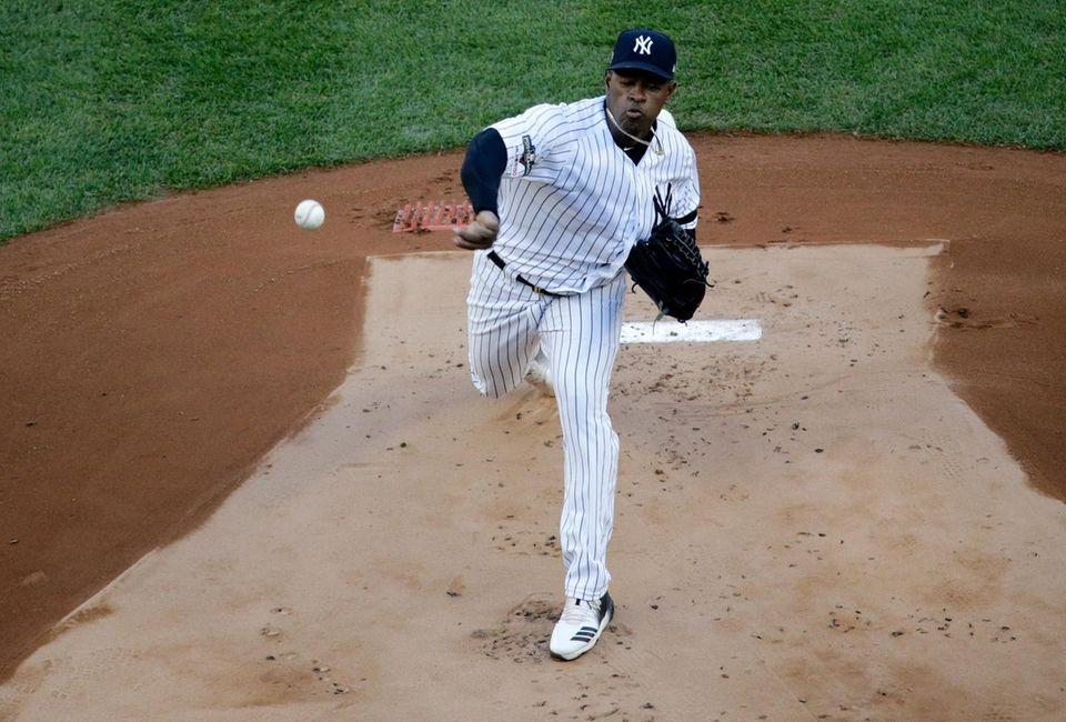 New York Yankees starting pitcher Luis Severino (40)
