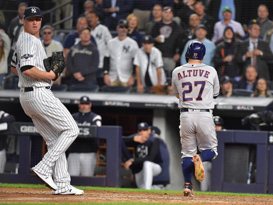 New York Yankees relief pitcher Zack Britton (53)