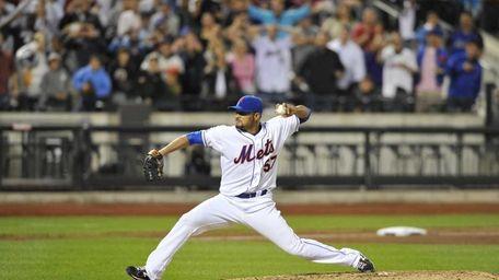 Johan Santana throws his last pitch of the