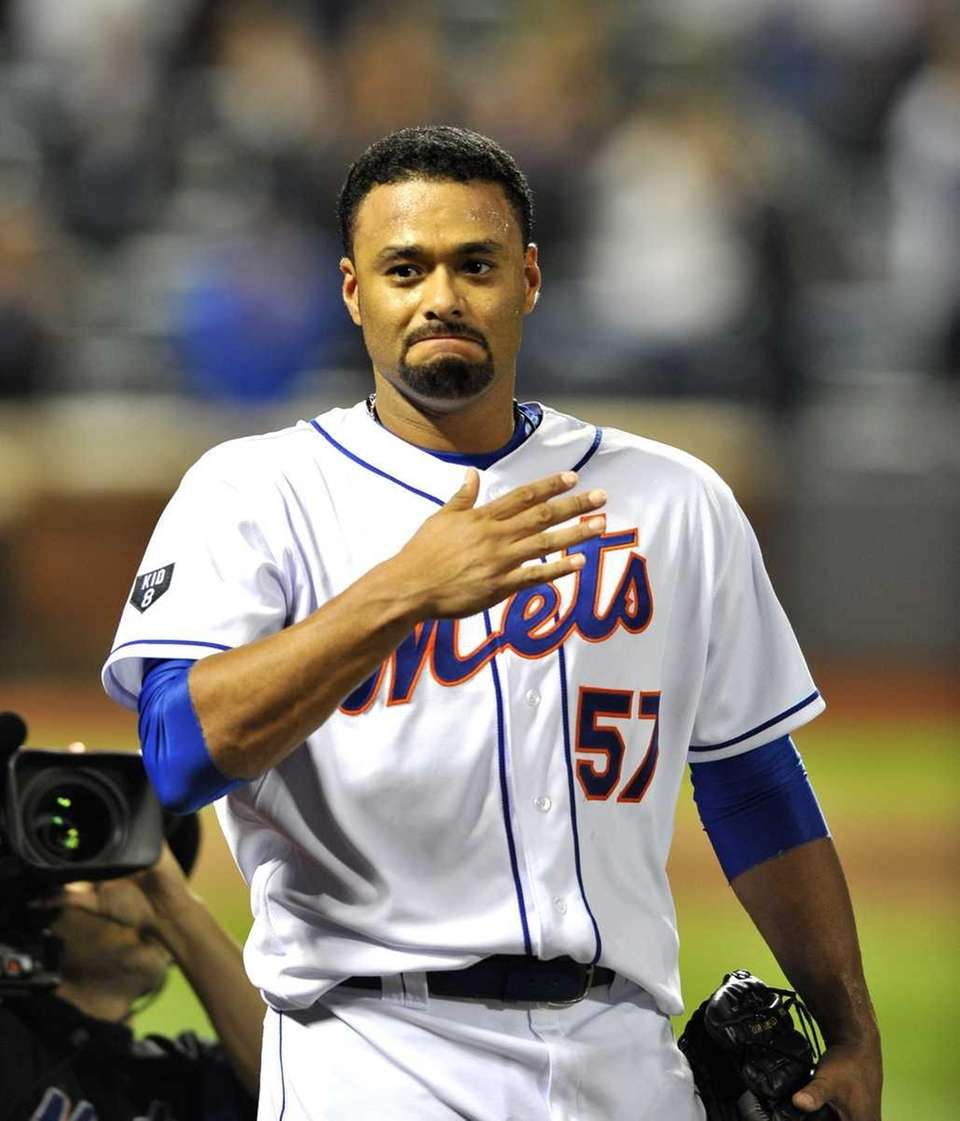 Johan Santana celebrates after his no-hitter on June