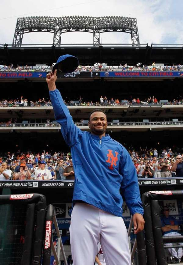 Johan Santana #57 of the Mets waves to