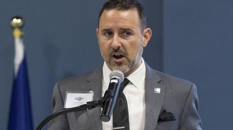 Robert Vitelli of the LGBT Network addresses attendees