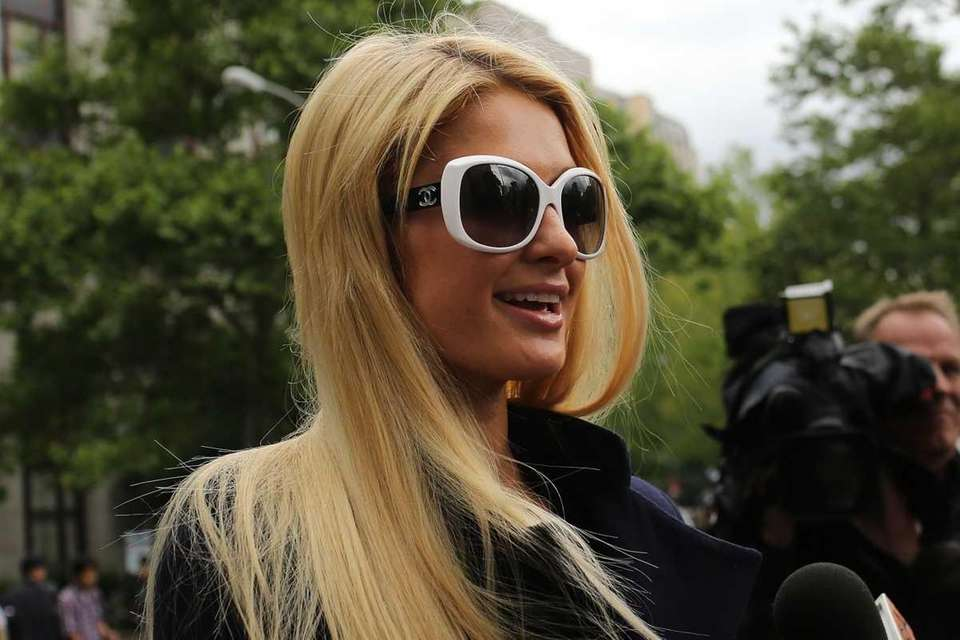 Paris Hilton arrives at a courthouse in Manhattan