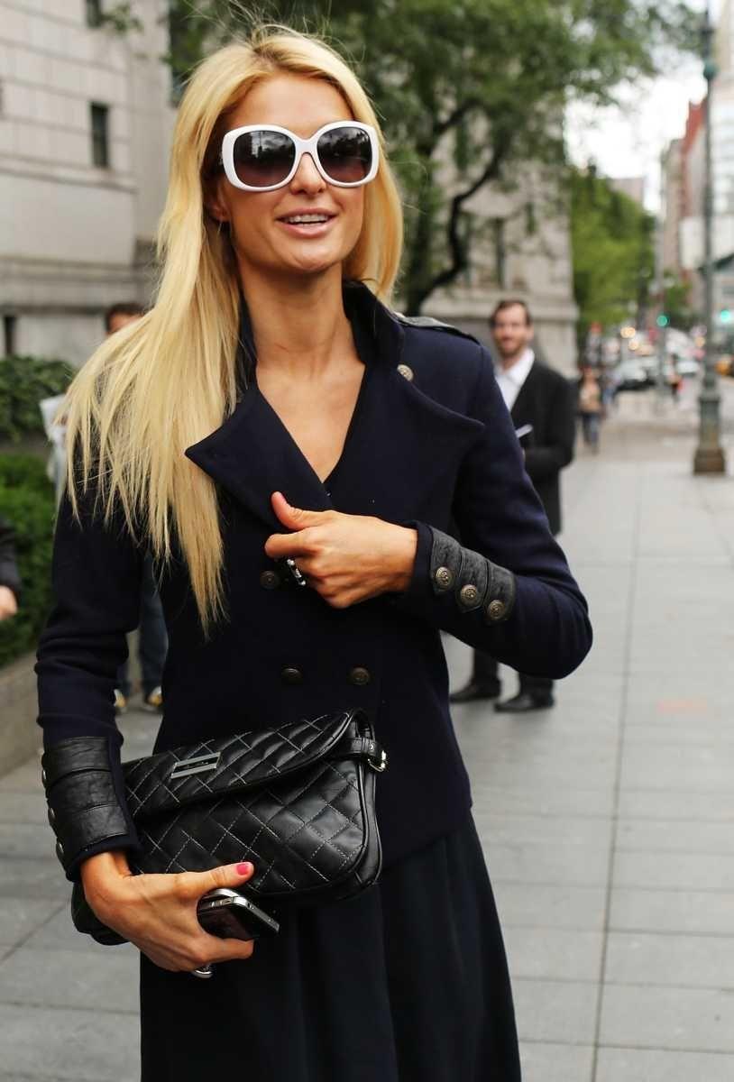 Paris Hilton arrives at a courthouse in Manhattan