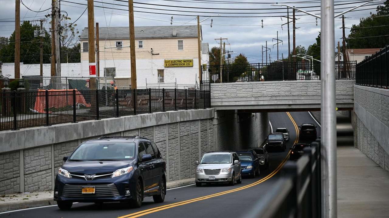 LIRR unveils new underpass in New Hyde Park