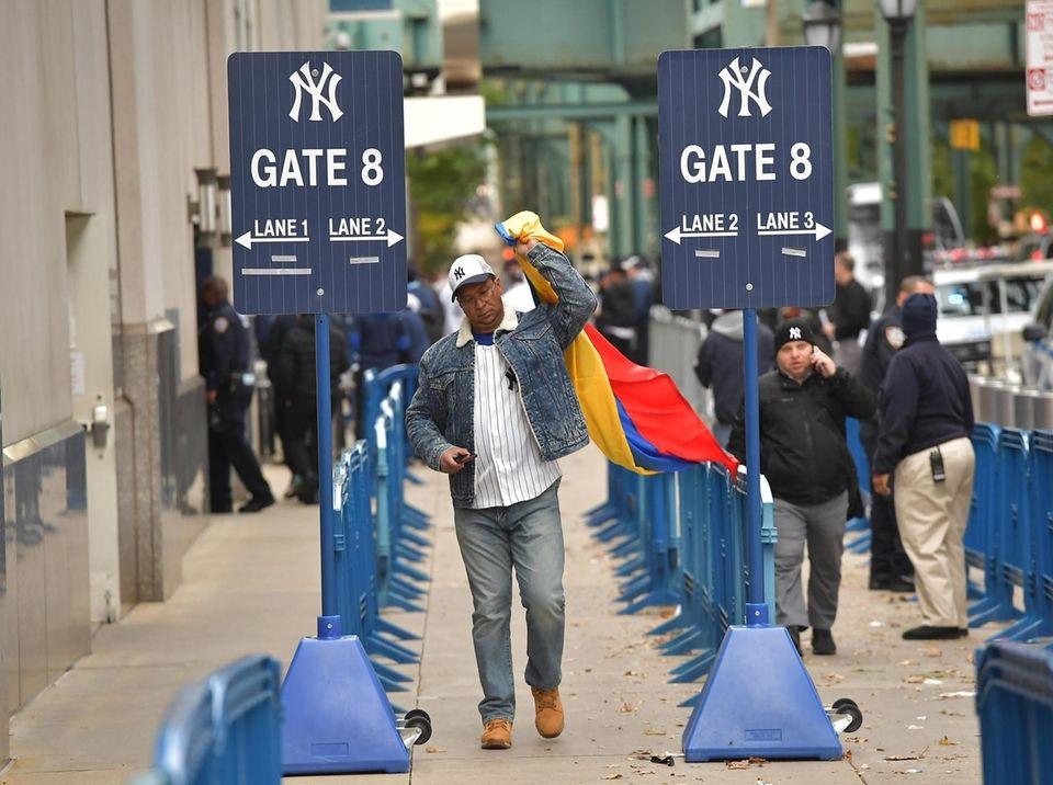 New York Yankees fan Ivan from Shoreham arrives