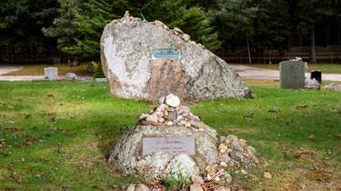 Boulders mark the grave sites of artists Lee