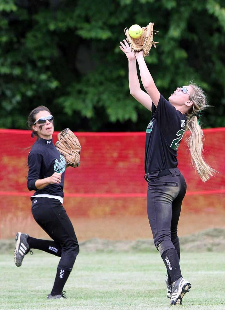 Carle Place's Taylor Ruscillo makes a catch in