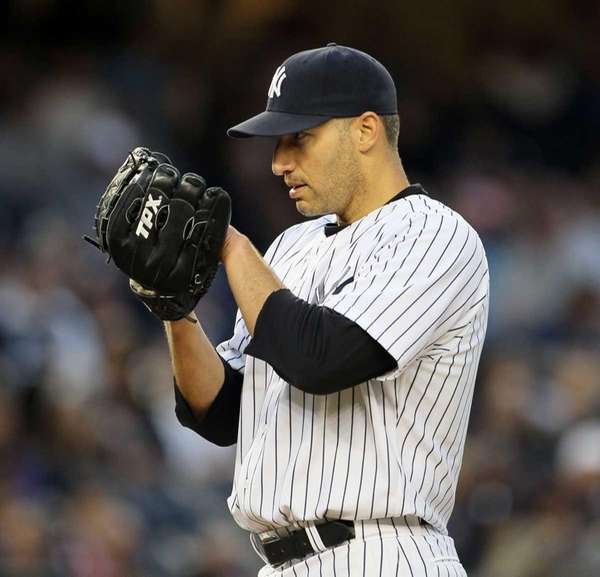 Andy Pettitte pitches against the Tampa Bay Rays