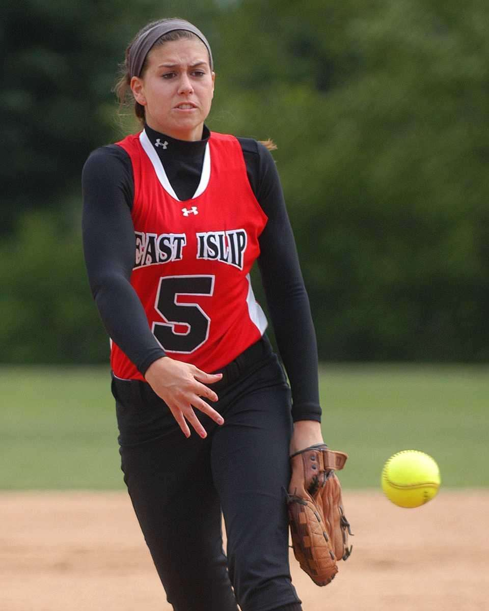East Islip pitcher Courtney Blake pitches in the