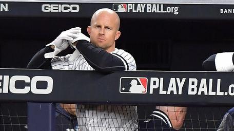 Yankees leftfielder Brett Gardner (11) in the dugout