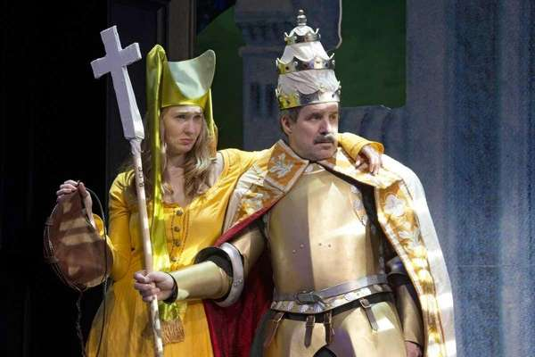 "Halley Feiffer and John Pankow in ""Medieval Play"