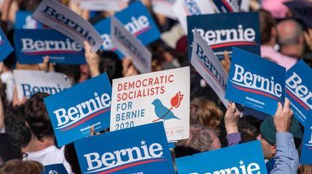 """Democratic presidential candidate Sen. Bernie Sanders holds """"Bernies"""