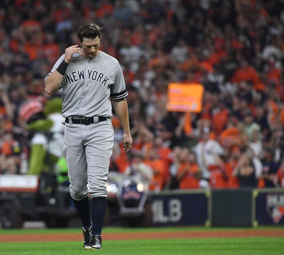 New York Yankees second baseman DJ LeMahieu (26)