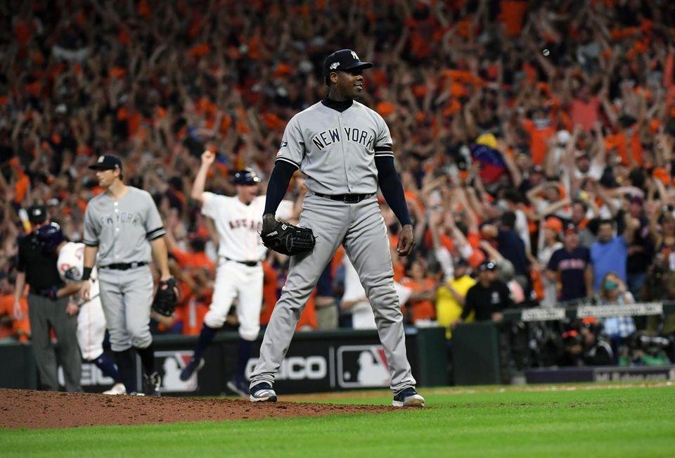 New York Yankees relief pitcher Aroldis Chapman (54)