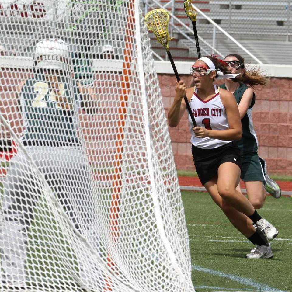 Garden City's Alexandra Bruno shoots and scores a