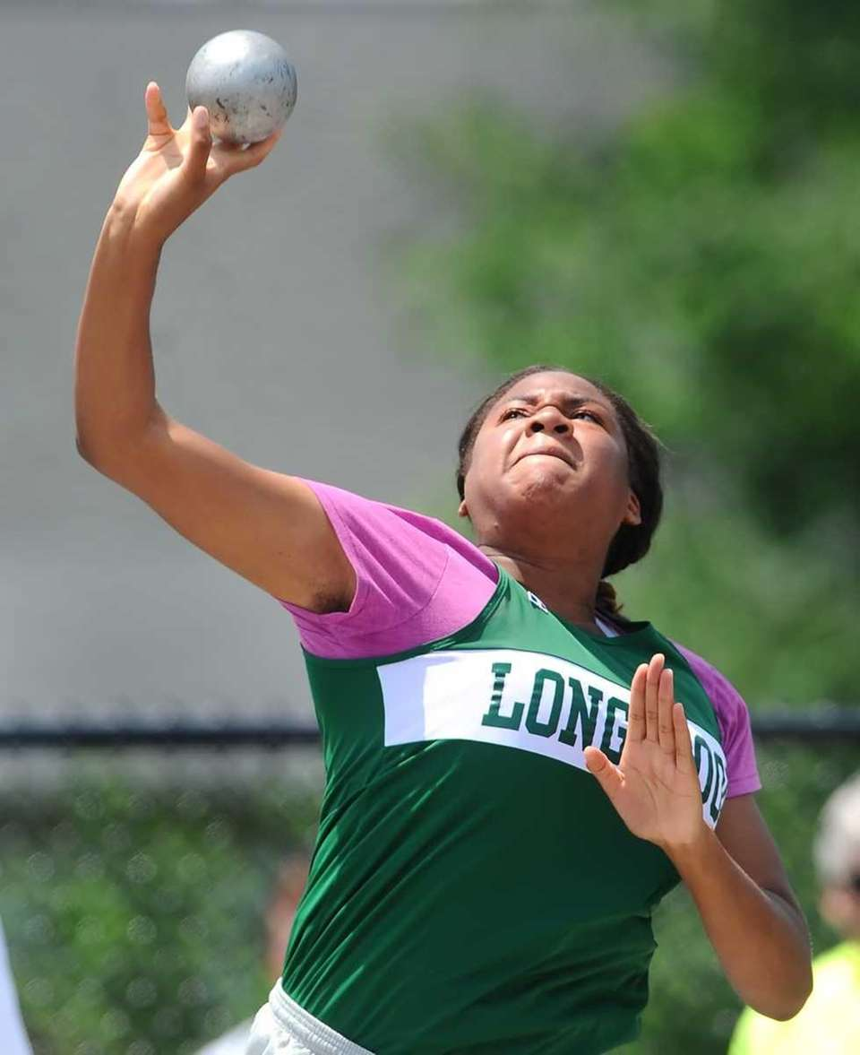 Longwood's Adaora Nwodili competes in the the girls