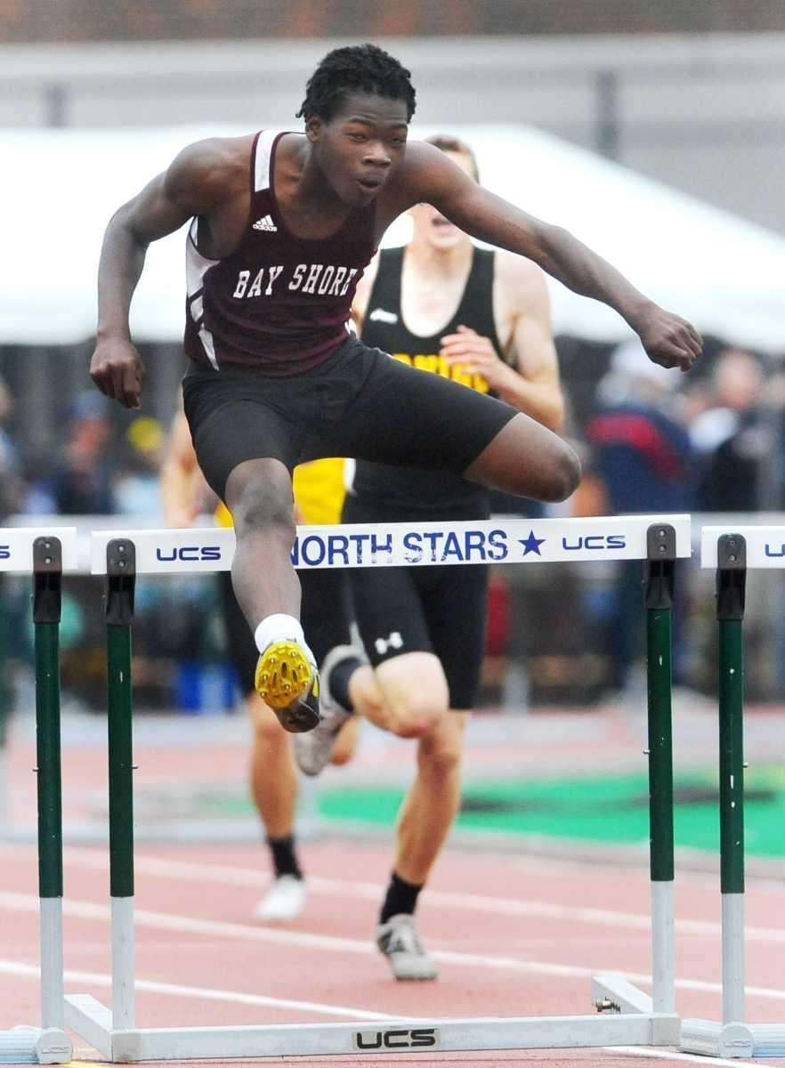 Bay Shore's Kadesh Roberts wins the Federation final