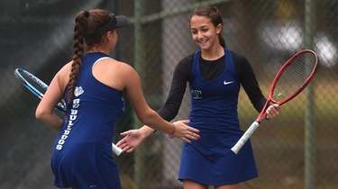 Nyla Gershfeld, right, and Rachel Arbitman of Hewlett