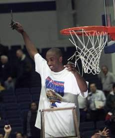 1. 1999-2000 Speedy Claxton leads Hofstra men's basketball