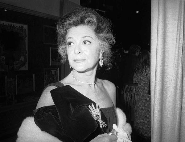 This Nov. 5, 1971 file photo shows actress