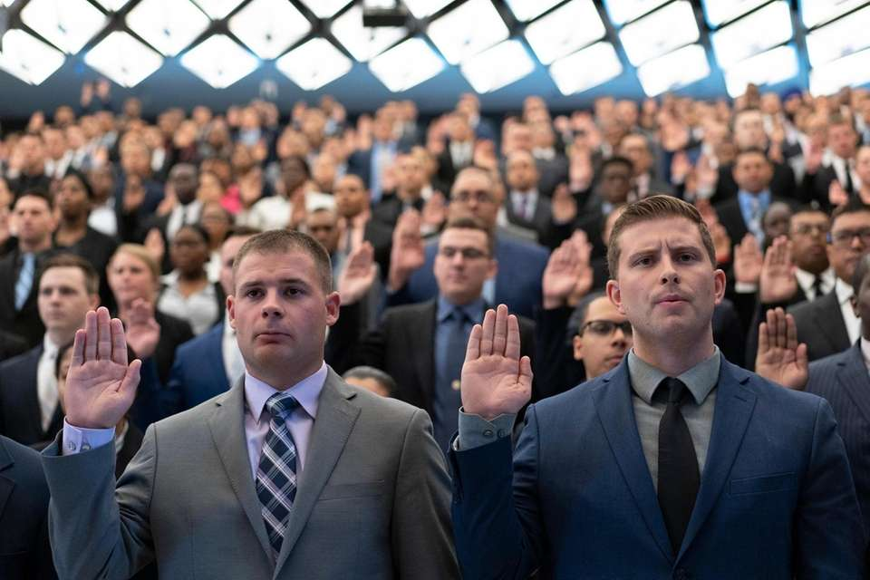 New recruits are sworn in by New York