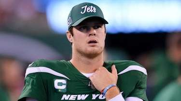 Jets quarterback Sam Darnold against the New England