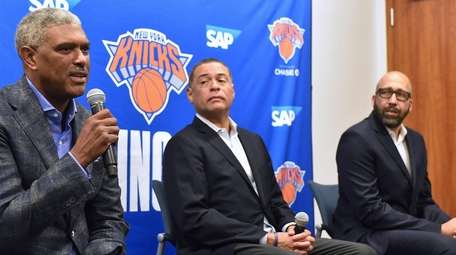 Steve Mills, Knicks president, left, speaks alongside general