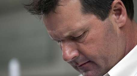 Former pitcher Roger Clemens leaves Federal Court in